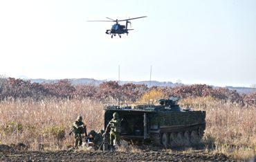 AH-64Eと81mmM.jpg