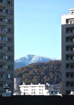マンションの間から初冬fuukei 370.jpg