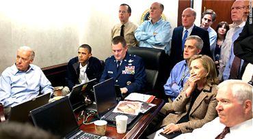 作戦を見守る米国首脳370.jpg