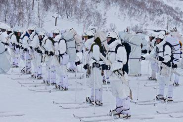 冬季遊撃隊員整列370.jpg