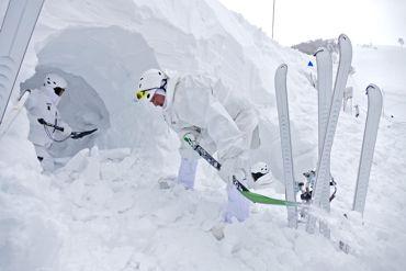 冬季遊撃雪洞370.jpg
