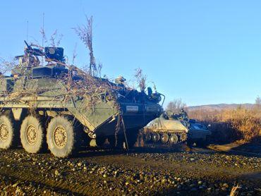 日米共同総合日米装甲車370.jpg