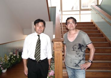 本館にて徳永教頭と370.jpg