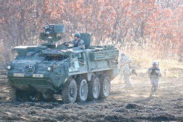 米軍ストライカー370.jpg