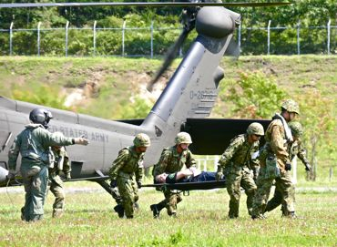 NR2015米陸軍ヘリ①370.jpg