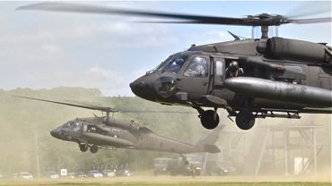 NR2015米陸軍ヘリ着陸370.jpg
