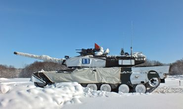 71TKR最後の戦車横から370.jpg