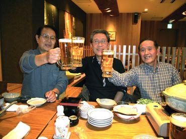 乾杯斉藤さんを囲んで370.jpg
