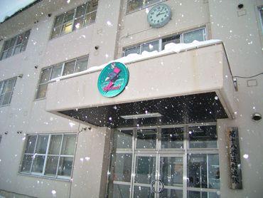雪の連隊隊舎370.jpg